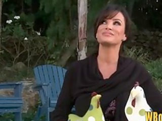 hot mother i lisa ann seduces the pool guy