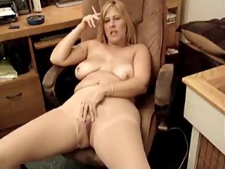 hawt fat milf smoking 8