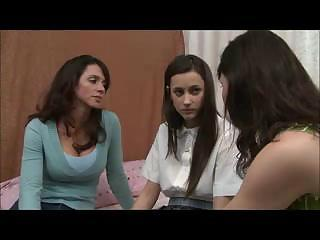 mother shows daughter how to be a lesbo d110