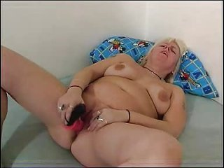 corpulent mamma plays with her plump cookie fm112