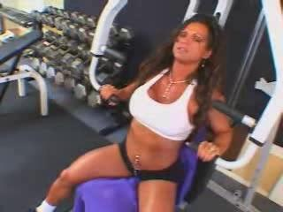 hawt mature breasty brunette hair bodybuilder