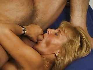 Mature German getting it on